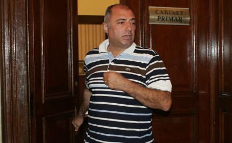 Primarul Craiovei, Antonie Solomon, afla luni daca va scapa de arest