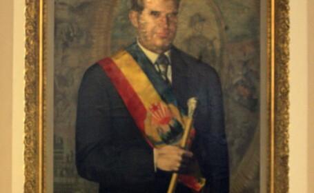 Tepes pictat peste Ceausescu! Ancheta la Jandarmeria Romana