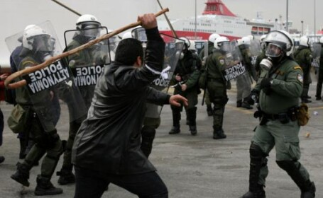 Proteste violente ale musulmanilor la Atena, in apararea Coranului