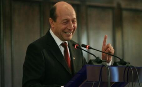 Treaba serioasa: Traian Basescu discuta cu Boc si ministrii despre FMI