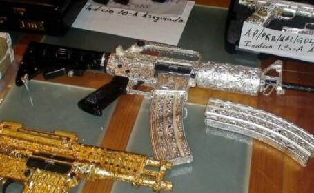 Culmea mafiei: si-a impodobit armele cu metale si pietre pretioase! FOTO