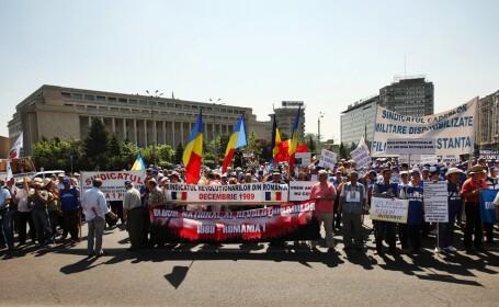 protest militari disponibilizati