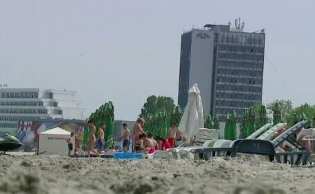 Cel mai aglomerat weekend de pe litoral. Preturile au crescut cu 15%. Cat costa o noapte de cazare