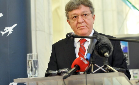 Surse: Procurorii militari anticoruptie au extins urmarirea in dosarul fostului ministru Dobritoriu