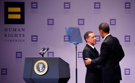 Barack Obama si Joe Solmonese (presedintele Organizatiei pentru Apararea Drepturile Omului)