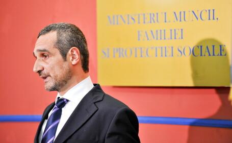 Lazaroiou, despre Ponta: Daca tot e curajos, ii dau lista cu firmele PSD sa \