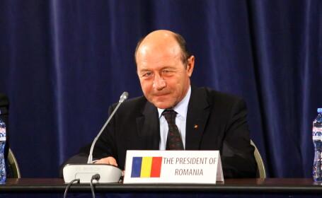Basescu: Nu e un Guvern convenabil pentru mine, trebuie sa privesc cu atentie la ce face Guvernul