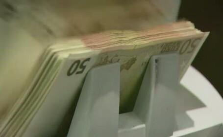 Un nou minim istoric pentru leu. Euro se apropie de pragul de 4,5 lei. Cum se explica devalorizarea