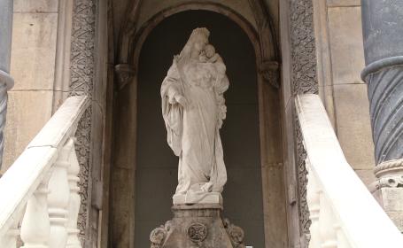 statuie fecioara maria