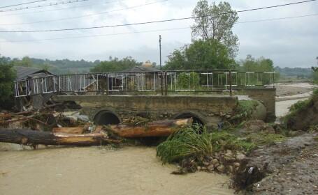 6 comune din Vrancea, sub stare de alerta din cauza debitelor mari ale apelor