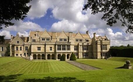Are 48 de camere, valoreaza aproape 4 milioane de dolari, dar sa traiesti in casa asta e un cosmar