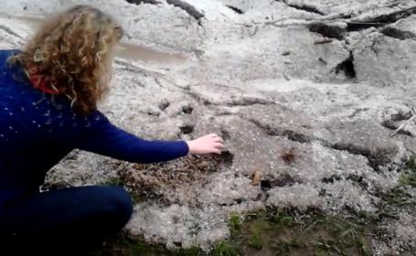 Imagini spectaculoase filmate in judetul Neamt, dupa o ploaie cu grindina. Cum arata soseaua. Video