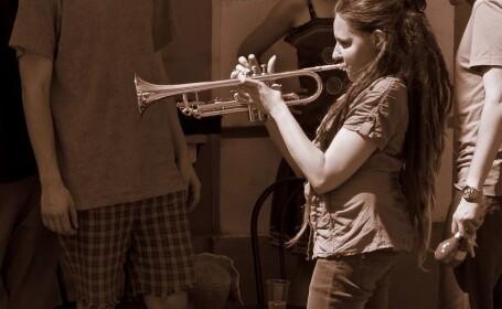 Muzica pentru muzica. Mai multi artisti vor canta la Timisoara pentru a indeplini visul unei tinere