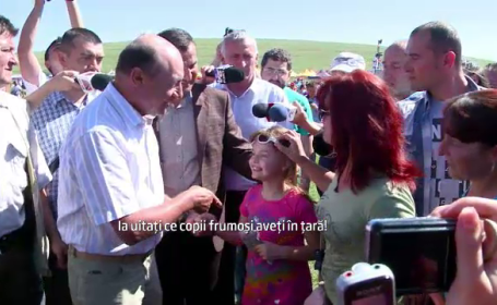 Basescu, in vizita la Pestera. Replica data unei mame la intrebarea: \