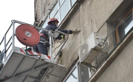 bloc, aer conditionat, Bucuresti, pompier