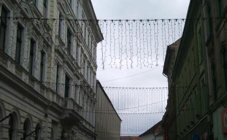 Timisoara, impodobita cu ornamente de Craciun in luna mai. Robu: Pot fi luminate la alte evenimente