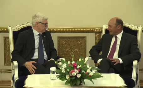 Traian Basescu si seful OLAF