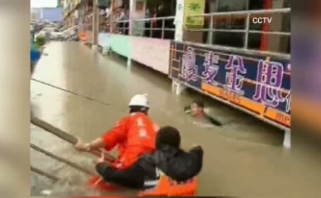 Chinez salvat din apa