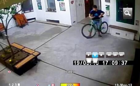 Cum se fura o bicicleta in 20 de secunde. \
