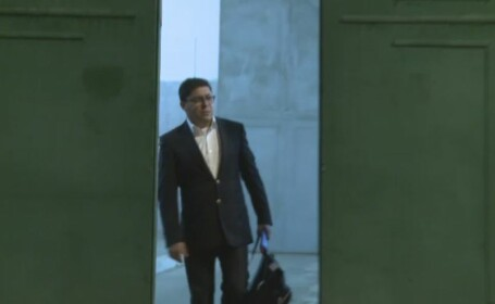 Prima imagine cu omul de afaceri Gruia Stoica parasind penitenciarul. \