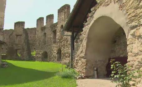 O fortareata din Romania inclusa in patrimoniul UNESCO, loc de impacare pentru cuplurile certate. In ce consta \