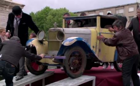 Parada cu masini de epoca in Constanta. Imagini cu vedeta spectacolului, un Morris Minor care a apartinut Regelui Mihai
