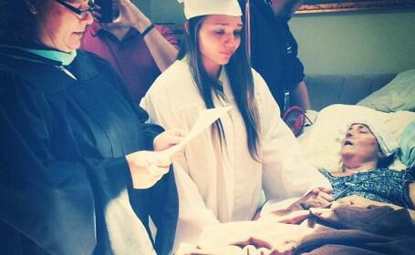 Ceremonie emotionanta in SUA. O tanara a absolvit liceul mai devreme pentru a fi vazuta de mama bolnava de cancer