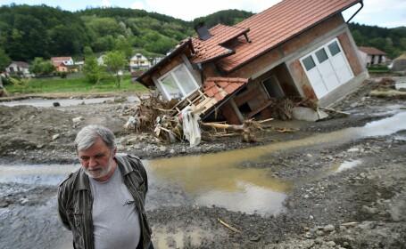 Pagubele produse de inundatii in Bosnia si Serbia se ridica la peste 3 miliarde de euro
