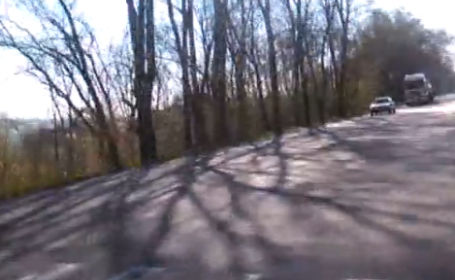 A filmat momentul in care a vrut sa traverseze strada pe trecerea de pietoni. Cum s-au comportat soferii. VIDEO