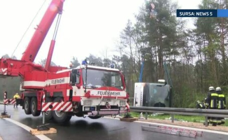 Accident grav in Germania. 11 persoane au fost ranite, 3 fiind in stare grava, dupa ce un autocar din Romania s-a rasturnat
