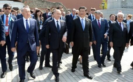 Vladimir Putin in timpul paradei din Moscova