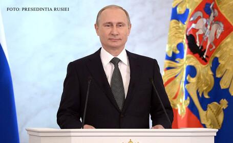 Vladimir Putin cu steagul Rusiei