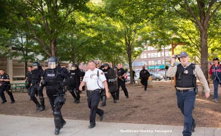 Proteste in SUA, dupa ce un politist a fost achitat pentru impuscarea a 2 persoane de culoare: \