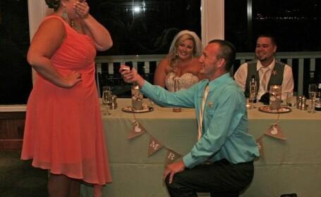 Era nunta lor, insa un invitat le-a furat momentul. Gestul pentru care a fost criticat de peste 1.000 de persoane