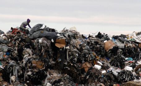 Autoritatile promit centre second-hand in loc de gropi de gunoi si produse neambalate, mai ieftine. Ce amenzi riscam de la UE