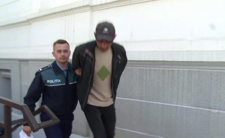 Un barbat, acuzat ca ar fi agresat-o sexual pe nepoata fostei iubite, extradat in Spania. Rudele sustin ca este o razbunare