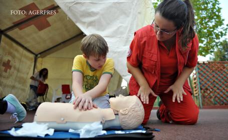 Cum se da primul ajutor in cazul unei persoane care nu mai respira. Manevrele simple prin care puteti salva vieti
