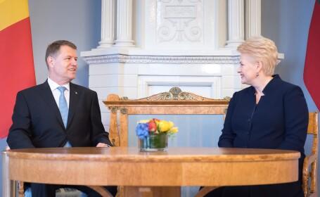Iohannis analizeaza problema migrantilor, in Lituania. Cadoul pe care i l-a facut presedintei Dalia Grybauskaite. FOTO