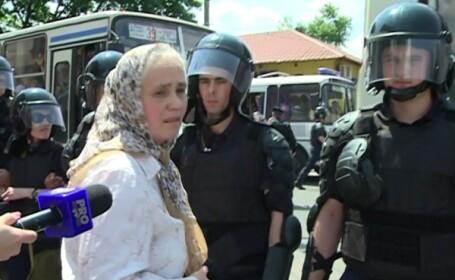 Reactia preotilor moldoveni la un mars al comunitatii gay in Chisinau. \