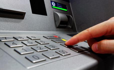 bancomat ATM- Shutterstock