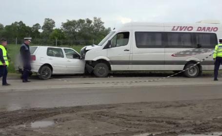 Patru persoane ranite, dupa ce soferul unei masini a intrat pe contrasens. \