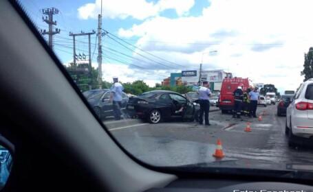 Carambol la intrare in Bucuresti. Sase persoane au fost ranite dupa ce cinci masini s-au tamponat. VIDEO