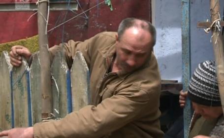 Un barbat din Chisinau a avut o surpriza de proportii azi, cand a deschis poarta. Ce a aparut in fata curtii sale. VIDEO