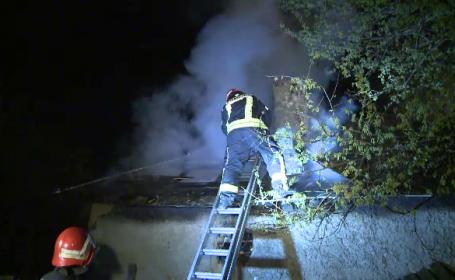 Un barbat din Capitala a uitat o tigaie pe aragaz, iar casa i-a luat foc. \