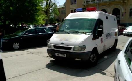 Atacatorul, care a injughiat un tanar in parcarea unui club din Mamaia, retinut de politisti