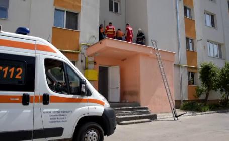 Bărbat din Bistrița, găsit mort în fața unui bloc cu 10 etaje