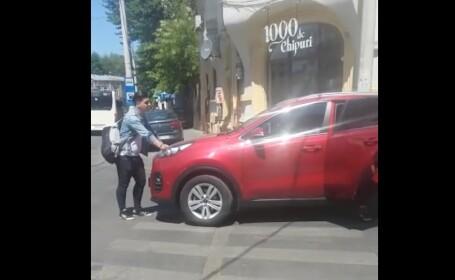 Tânăr luat intenționat pe capotă de un șofer, în Capitală. Un bărbat a fost dus la audieri VIDEO