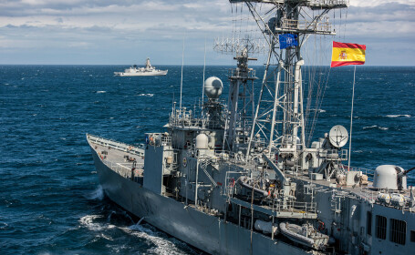 forte NATO in Marea Ionica