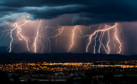 vremea fulgere - ilustratie