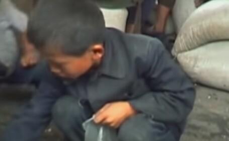 Autoritățile nord-coreene exploatează copiii fără adăpost, lovindu-i și furându-le banii